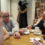 Dyskusje trwały także podczas przerwy kawowej Autor zdjęcia: dr Dawid Dawidowicz