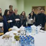 Uczestnicy warsztatów podczas przerwy obiadowej Zdjęcie: Dawid Dawidowicz