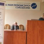 Prof. Beata Bieszk-Stolorz und Dr. Krzysztof Dmytrów während der Präsentation der Ergebnisse der Erhebungen Foto: Dr. Dawid Dawidowicz